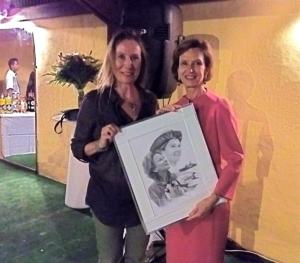Cadeau de départ à Mme Cécile Pozzo di Borgo au nom de l'équipe de la réserve naturelle des TAAF